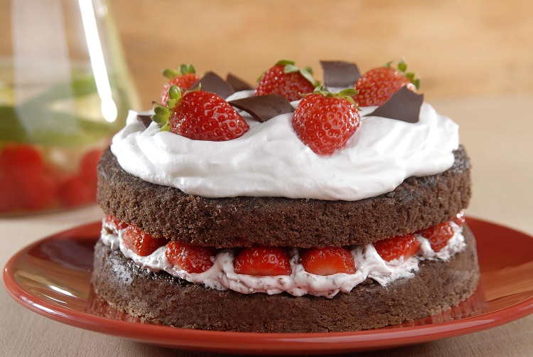 Naked cake de chocolate com morango